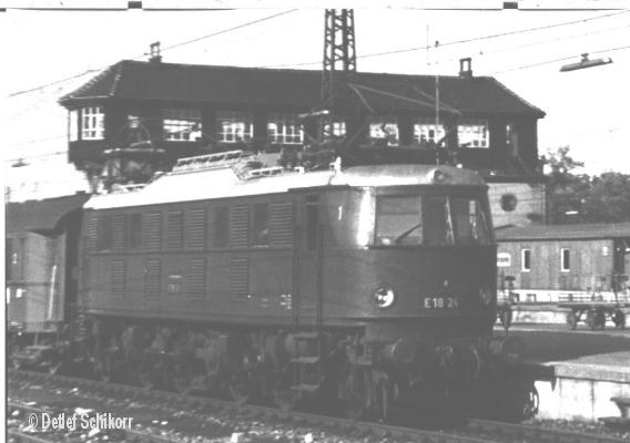 E18 24
